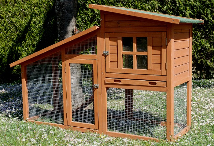 Poulailler petit prix colorado animaloo for Surface poulailler 2 poules
